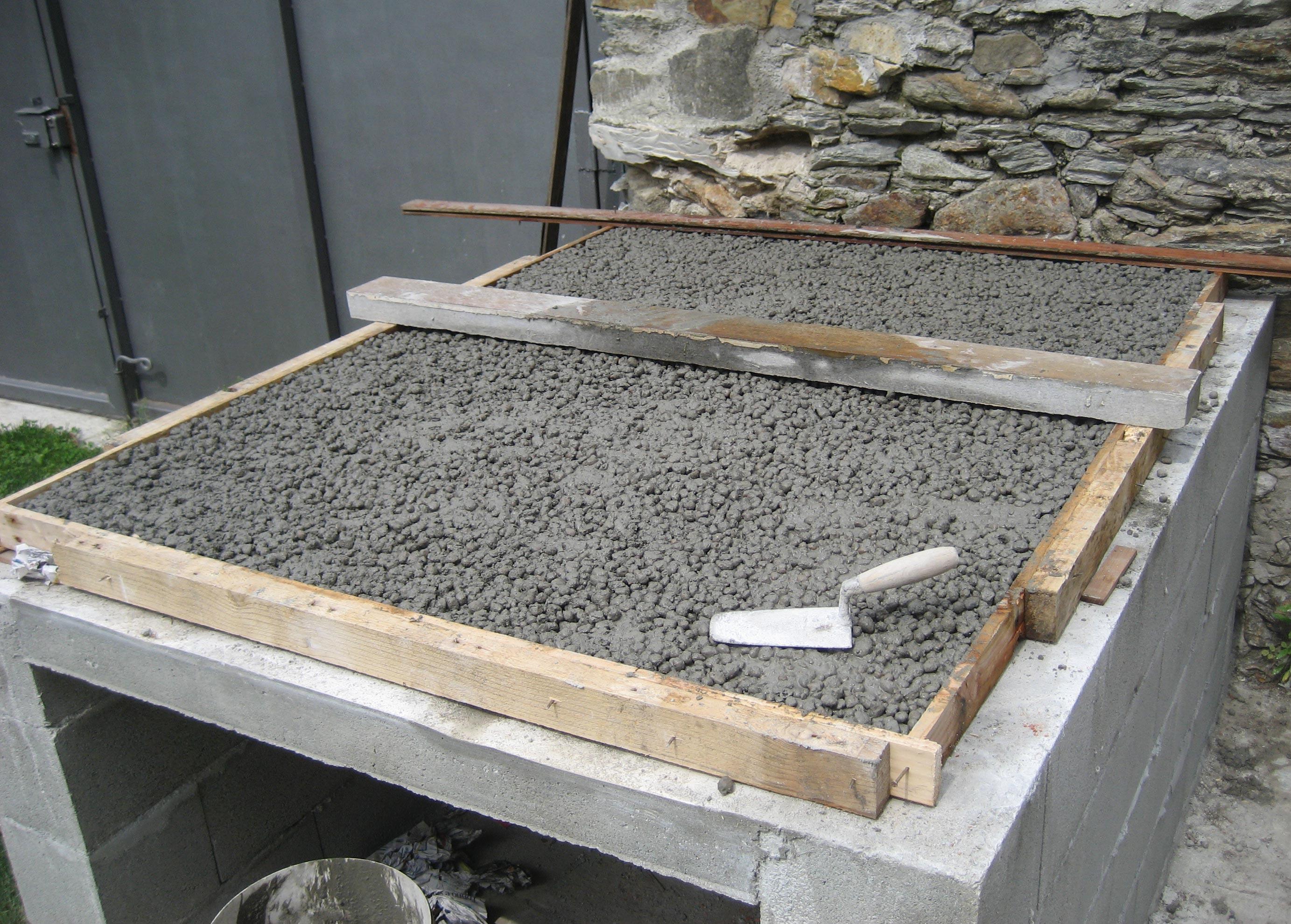 Come costruire un forno a legna con mattoni refrattari